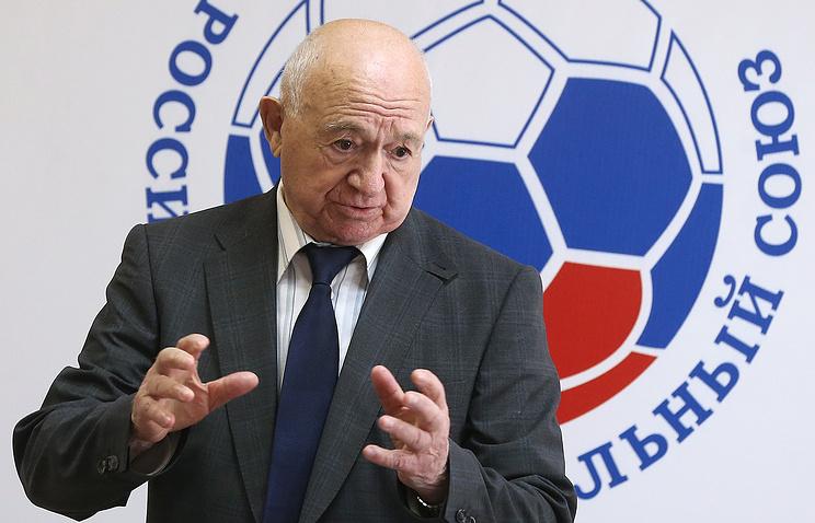 «Спартак» поздравил Симоняна с90-летием
