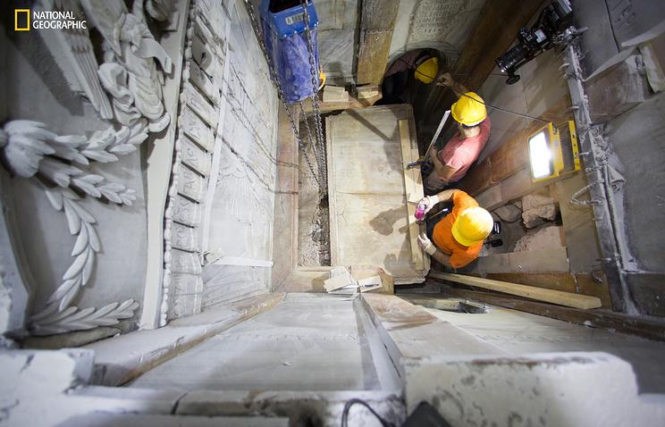 Археологи вскрыли гробницу Христа