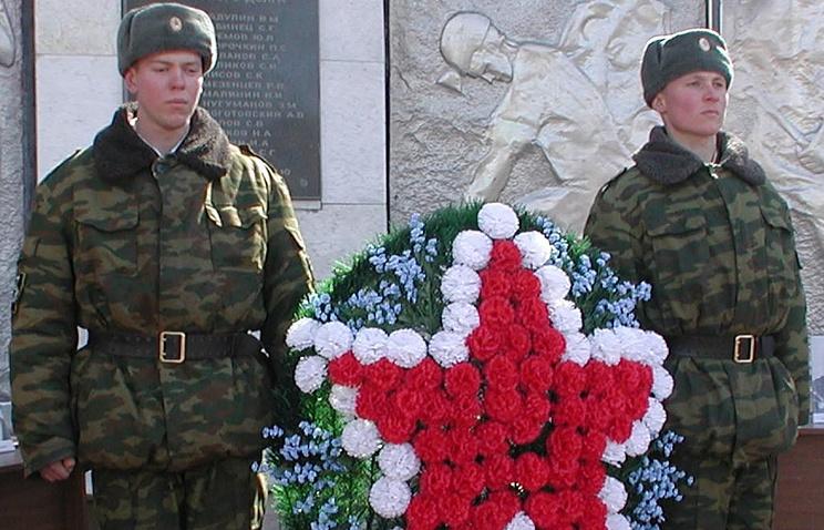 Монумент погибшим наслужбе солдатам ВВиМВД открыли вЕссентуках