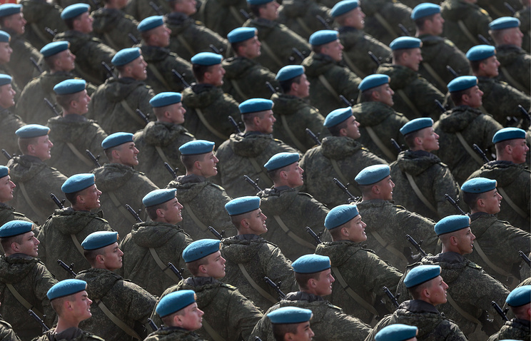 Государственная дума приняла закон окоротких военных контрактах для операций зарубежом