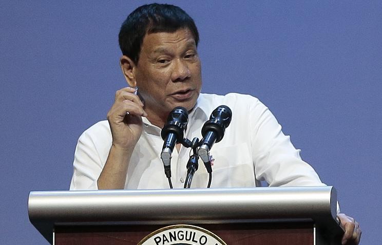 Ничего незаконного: минюст Филиппин заступился засознавшегося вубийствах президента