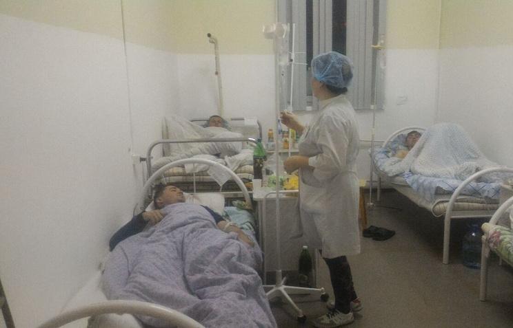 Пострадавшие в аварии Ил-18 в больнице поселка Тикси