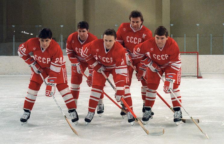 Федерация хоккея РФ поздравила болельщиков с70-летним юбилеем хоккея