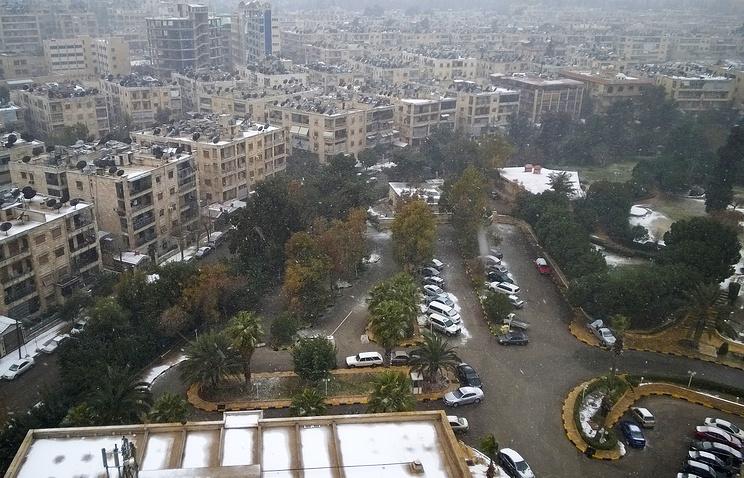Граждане  Алеппо вышли наулицы праздновать победу