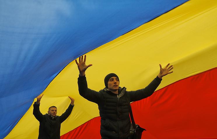 Срезиденции президента Молдавии Додона сняли флаг европейского союза — Колкий знак Брюсселю