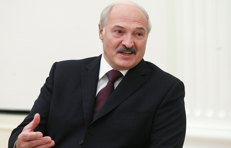 Лукашенко вновом году думает о заработной плате в500$