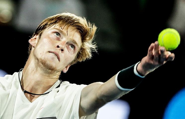 1-ый крупный турнир 2017-ого года покинул последний русский теннисист