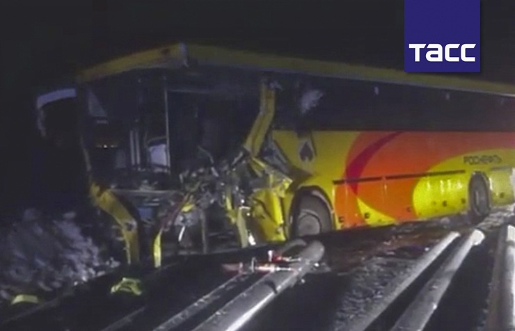 ВХМАО вДТП савтобусом и фургоном умер человек