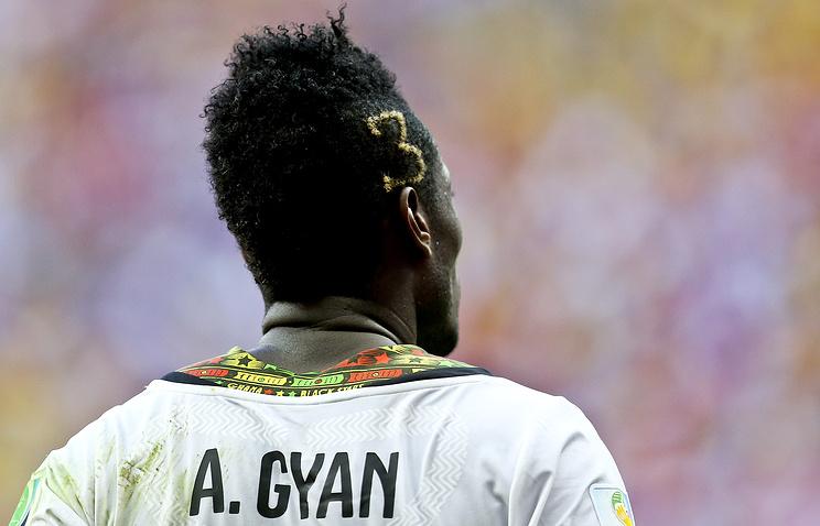 Гьян иеще неменее  40 футболистов вОАЭ оштрафованы занеподобающие прически