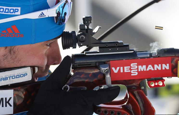 Четырехкратный чемпионОИ Тихонов впрямом эфире подарил Шипулину свою шубу