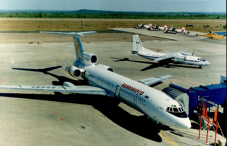 Вид с диспетчерской Усть-Илимского аэропорта, 2000 год