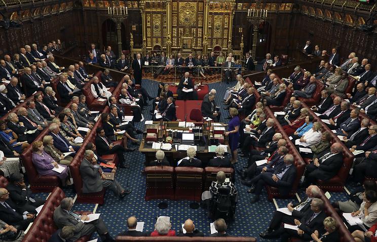 ВСоединенном Королевстве Палата лордов отдала голос против 2-го референдума поBrexit