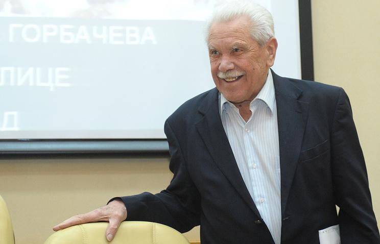 Скончался Анатолий Черняев, помощник экс-президента СССР Горбачева