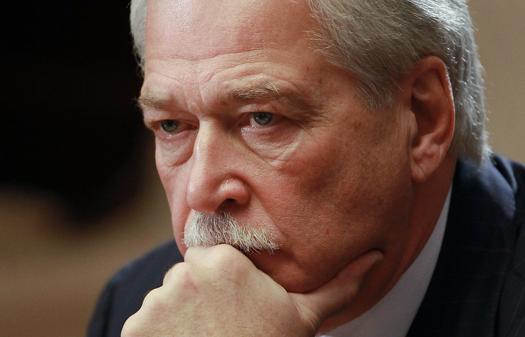 Перекрытие путей сообщения сДонбассом противоречит минским соглашениям— Грызлов