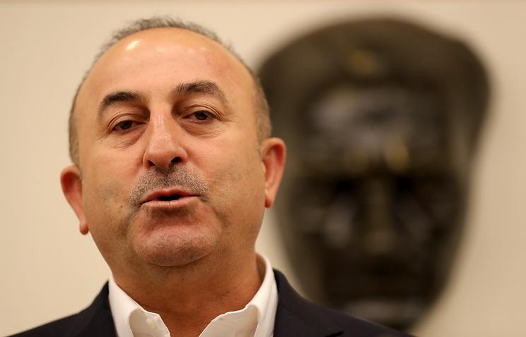 Руководитель МИД Турции пригрозилЕС разрывом соглашения побеженцам