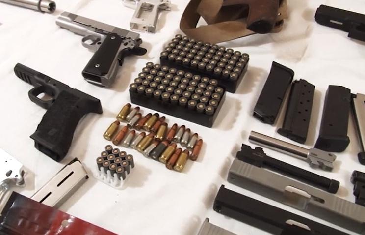 ФСБ задержала группу граждан России поделу оконтрабанде оружия изсоедененных штатов