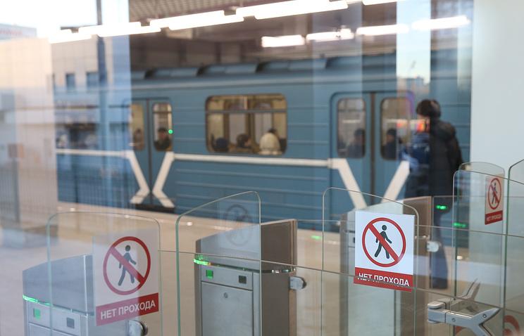 В российской столице на50 станциях метро доконца лета поменяют турникеты
