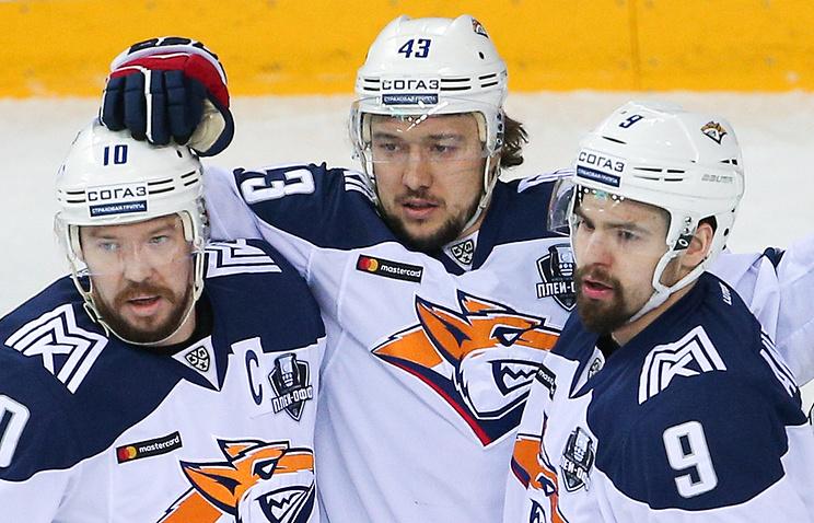 Сергей Мозякин (слева)