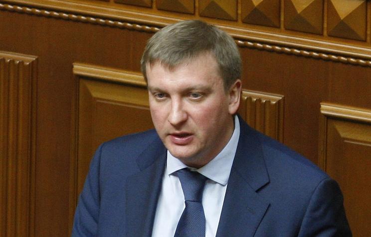 Госслужащих вУкраинском государстве вынудят обладать британским языком