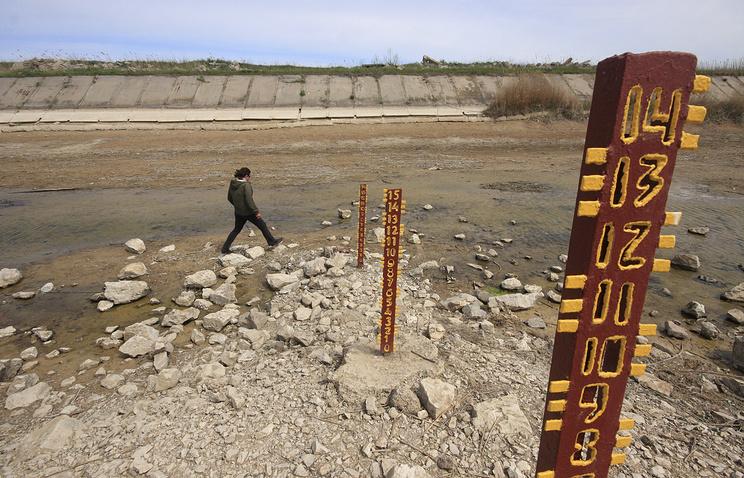 Украина возвела новую дамбу для блокирования подачи воды в Крым