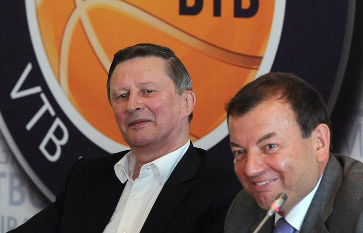 Почетный президент Единой Лиги ВТБ Сергей Иванов и президент турнира Сергей Кущенко (слева направо)