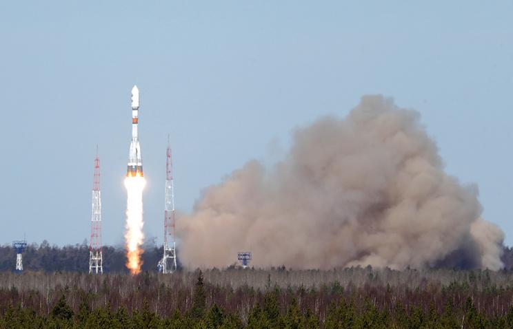 СПлесецка благополучно запустили военный спутник