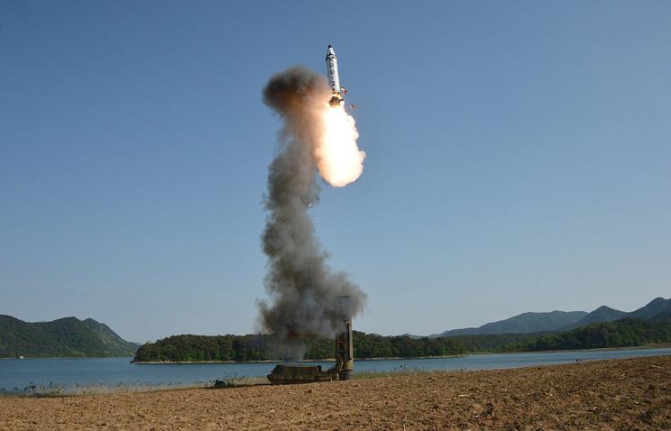 Армия КНДР испытает межконтинентальную ракету по указу руководства страны