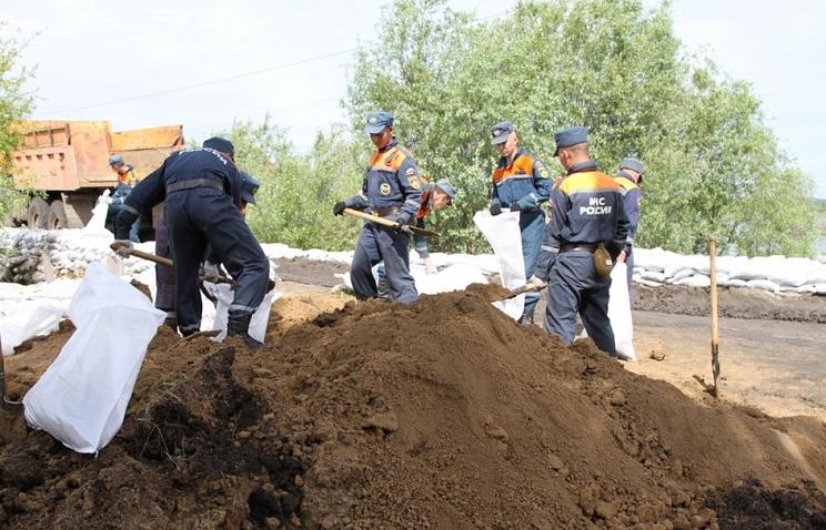 Противопаводковые работы в Усть-Ишимском районе Омской области.