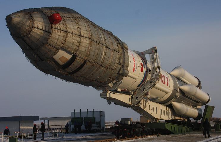 """Ракета-носитель """"Протон-М"""" с разгонным блоком """"Бриз-М"""""""
