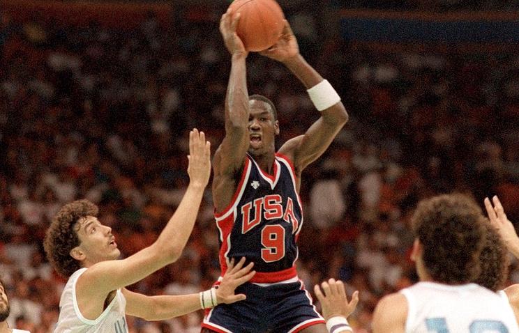 Олимпийские кроссовки Джордана проданы за USD 190 тыс.