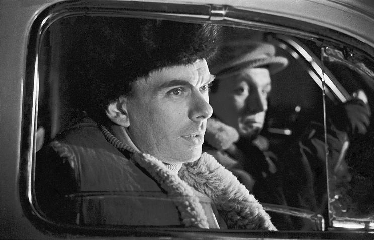 """Кадр из фильма """"Вечный огонь"""", 1963 год"""