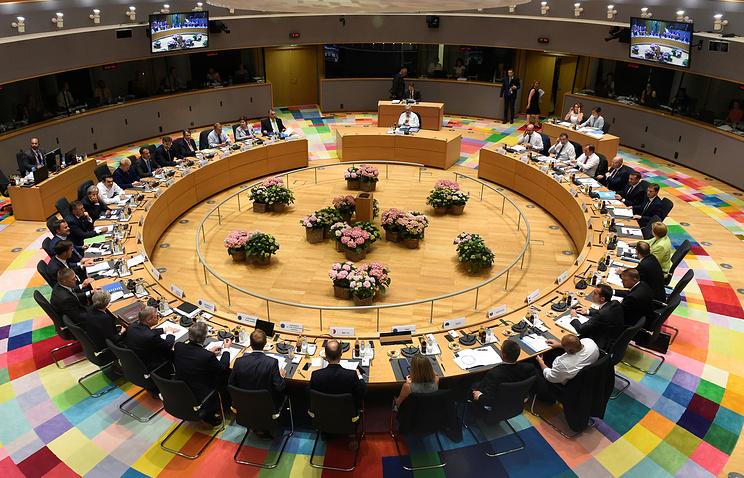 EC наполгода продлил санкции против Российской Федерации, привязав ихкминским договоренностям