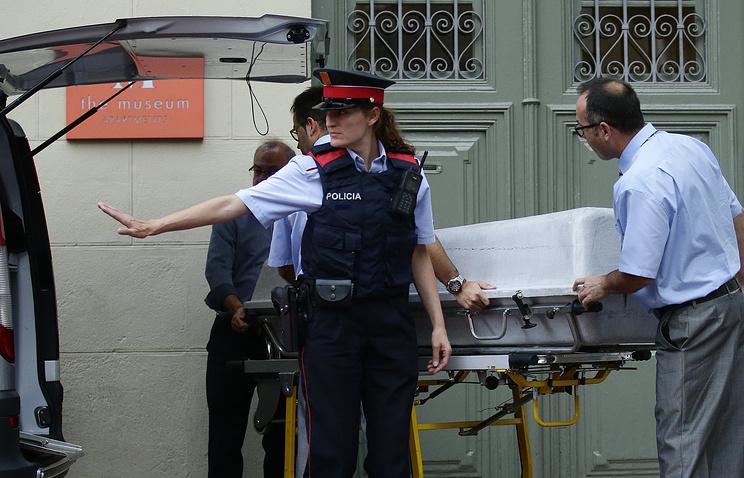Останки Сальвадора Дали эксгумировали по иску женщины, утверждающей, что она его дочь - Общество - ТАСС