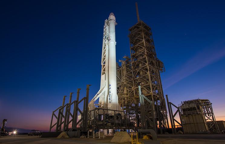 Ракету Falcon 9 с фургоном Dragon запустят 14августа