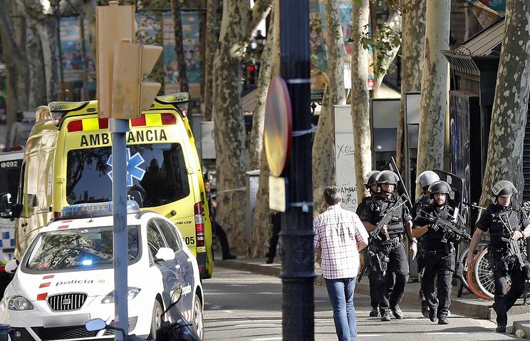 Милиция установила личности 12 подозреваемых впричастности ктерактам вКаталонии