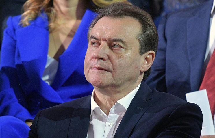 Педагог объявил, что неготов заменить вФонде кино «неразумного» Михалкова