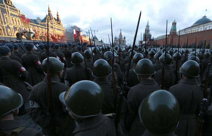 Движение вцентре столицы ограничат 7ноября из-за марша наКрасной площади