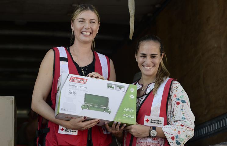 Мария Шарапова занялась раздачей гуманитарной помощи вПуэрто-Рико
