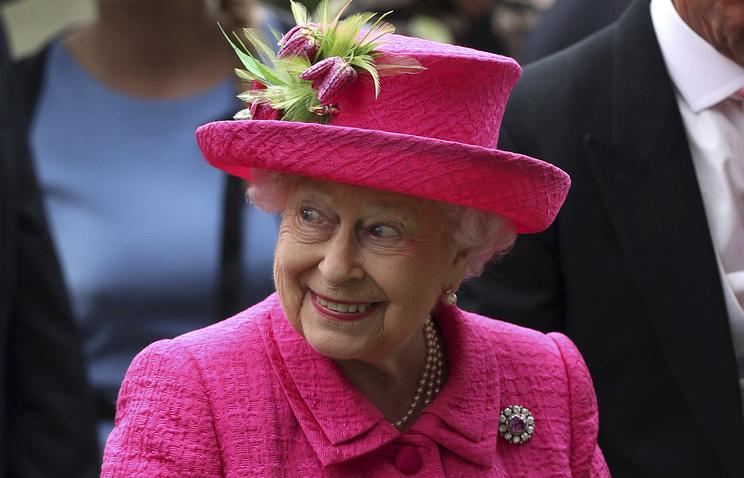 ЕлизаветаII обогатилась наскачках на $9 млн.