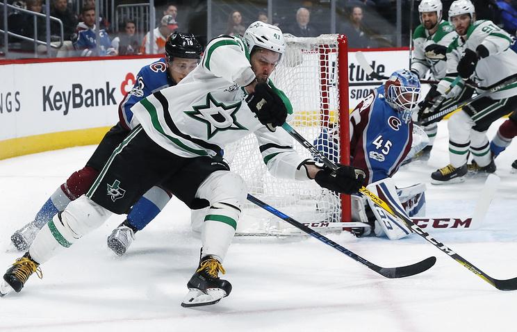 «Даллас» разгромил «Колорадо» вматче НХЛ, Радулов сделал две результативные передачи