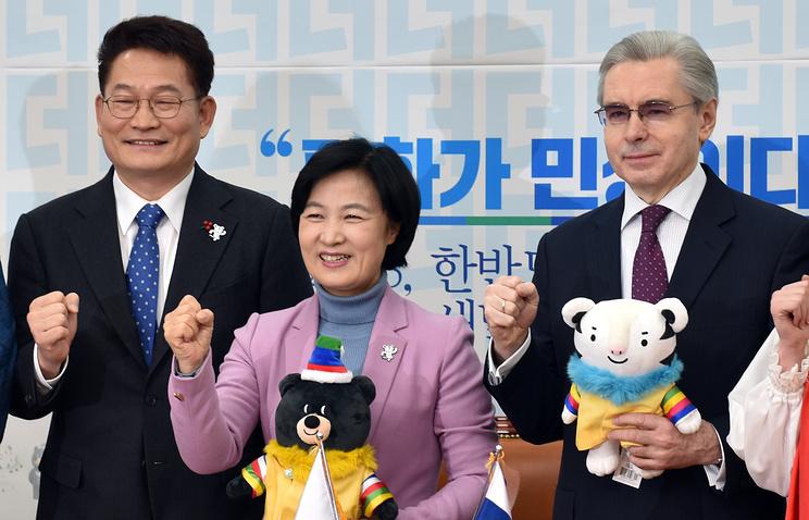 Ким Чен Ынпозвал президента Южной Кореи вгости