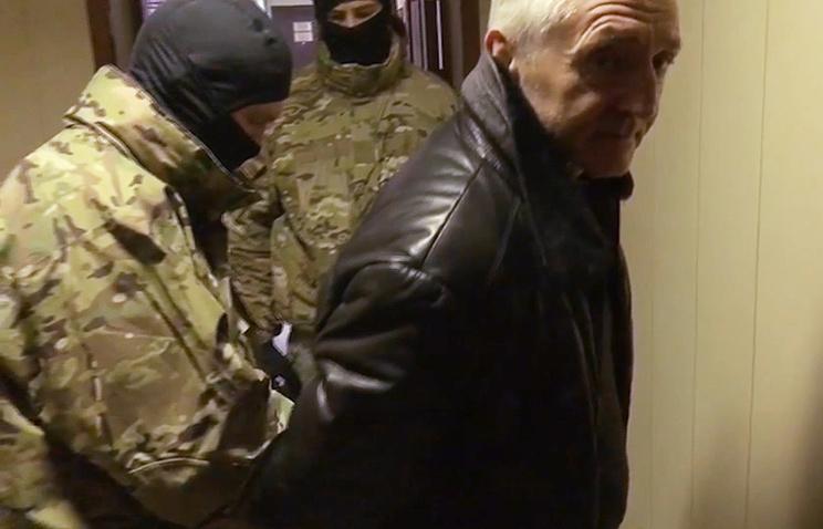 Бывший министр образования Дагестана Шахабас Шахов (справа)