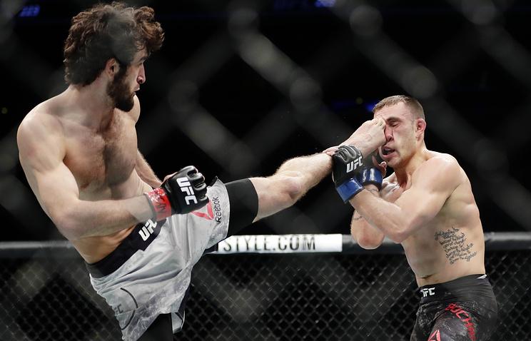 Русский боец Магомедшарипов победил Бочняка натурнире UFC 223