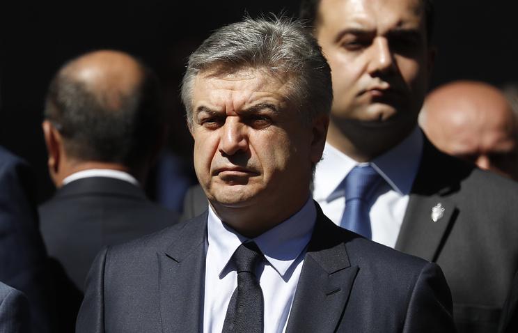 Врио премьера Армении предложил провести внеочередные выборы впарламент