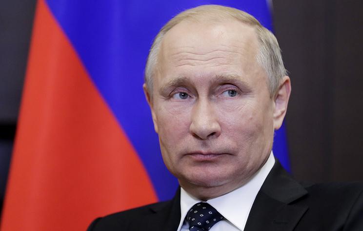 Путин считает, что мог бы работать адвокатом
