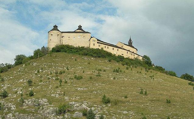 Фото www.castlesguide.ru