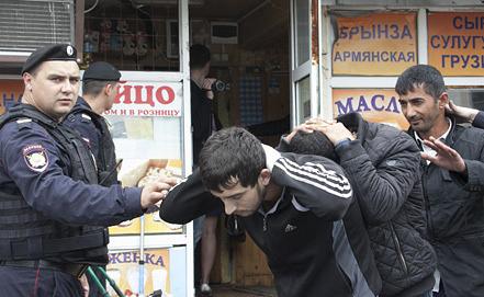 Проверки на рынках Москвы. Фото ИТАР-ТАСС/ Михаил Почуев