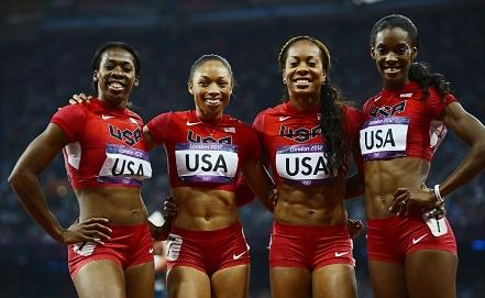 Олимпийские чемпионки Лондона в эстафете 4х100 м. Франсена Маккорори (крайняя слева). Фото EPA/ИТАР-ТАСС