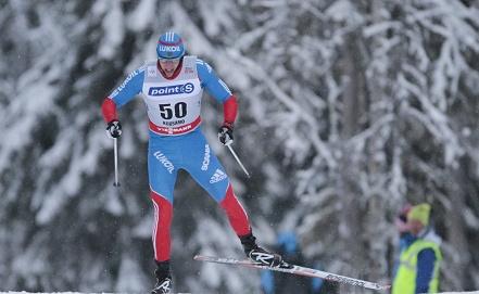 На трассе российский лыжник Александр Легков Фото EPA/ИТАР-ТАСС