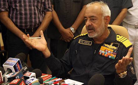 Главнокомандующий индийскими ВМС адмирал Д.К.Джоши. Фото EPA/ИТАР-ТАСС